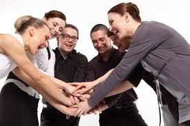 Dicas para manter seus colabores motivados e trabalhando em conjunto